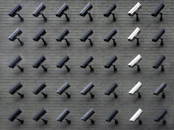 מצלמות ואנליטיקה