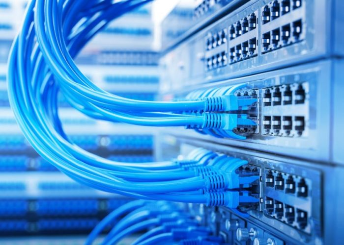 תשתיות תקשורת ואינטרנט